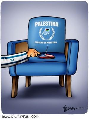 """la """"blue chair"""", simbolo della campagna per il riconoscimento dello stato di Palestina e la sua ammissione alle Nazioni Unite"""