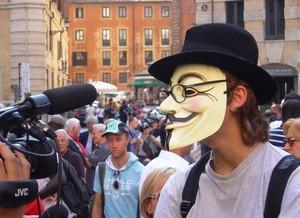 Roma 29 settembre 2011, piazza del Pantheon. La protesta contro chi vuole un'informazione ridicola