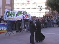 4 novembre 2001 a Taranto, piazza della Vittoria, la bandiera della pace esposta durante la cerimonia ufficiale