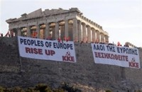 Mikis Thedorakis  e Glezos Manolis chiamano gli europei a ribellarsi all'egemonia della finanza