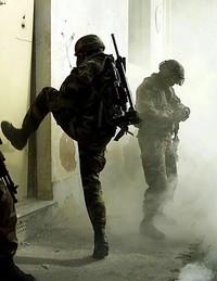 Previsione spese militari 2012-2014: Un grottesco carnevale. Un gioco che fa male.