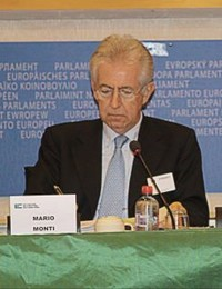 Mario Monti al congresso Uef, marzo 2011