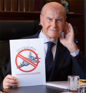 """Umberto Veronesi per la campagna """"Taglia le ali alle armi"""""""