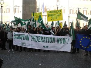 Flash mob della Gioventù federalista europea davanti a Montecitorio per la federazione europea, Roma 14 gennaio 2012
