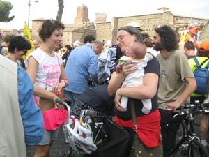 """Roma, partecipanti all'iniziativa """"Salvaciclisti"""""""