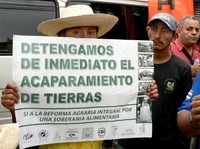 Aguán: Latifondista produttore di palma africana getta benzina sul fuoco