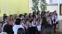 Il coro di voci bianche che ha animato la cerimonia con l'inno di Mameli e le filastrocche di Rodari