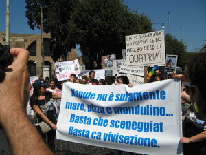 """""""Basta con le sceneggiate"""". Da Napoli contro la vivisezione"""
