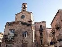 Torre dell'orologio a Taranto