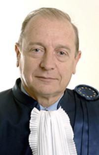 Quei vuoti difficili da riempire - il ruolo della magistratura e quello del governo sulla questione ILVA Taranto