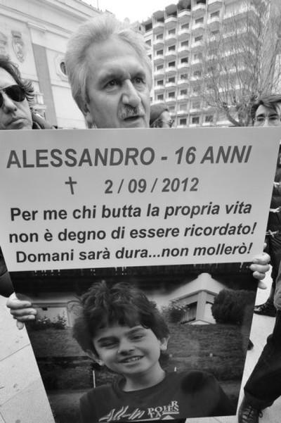Aurelio Rebuzzi alla manifestazione del 7 aprile 2013 a Taranto