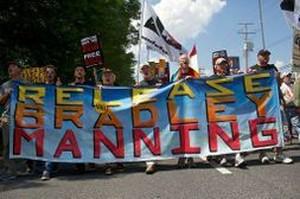 Manifestanti a Fort Meade