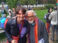 Laura Tussi con il Comboniano Padre Alex Zanotelli