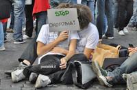 Solidarietà alle vittime delle aggressioni omofobe a Taranto
