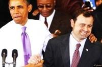 """Tom Perriello, ideologo delle """"guerre umanitarie"""", e Barack Obama: due progressisti in divisa."""