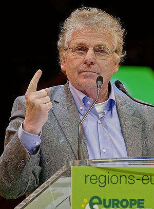 Daniel Cohn-Bendit at Europe Écologie's closing rally of the 2010 French regional elections campaign at the Cirque d'hiver, Paris.