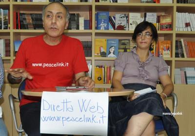 una conferenza stampa di peacelink