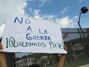Protesta davanti all'ambasciata USA a Managua