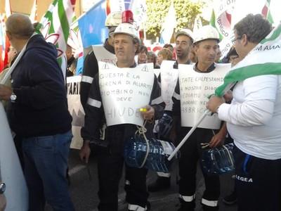 la manifestazione a piombino