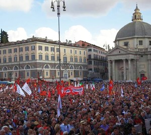 manifestazione in difesa della Costituzione in piazza del Popolo a Romam 12.10.2013