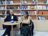"""La dottoressa Chiara Castellani e Polo Moro alla presentazione del libro """"Rita Levi Montalcini: aggiungere vita ai giorni"""" - Libreria Gilgamesh a Taranto"""