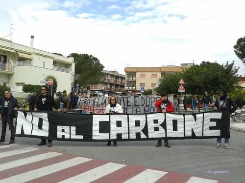 Brindisi vuole rinascere, senza la peste del carbone più inquinante d'Italia