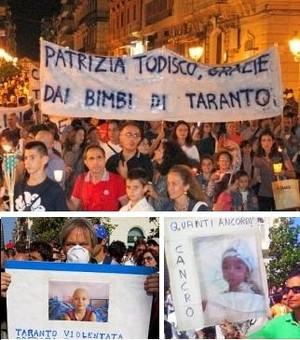 Manifestanti tarantini che denunciano l'alta incidenza dei tumori nei bambini per via dell'inquinamento atmosferico.
