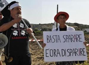 A Capo Frasca migliaia di manifestanti