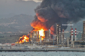 ore 6 sabato 27 2014, incendio raffineria milazzo