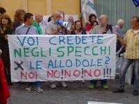 Le associazioni e i comitati si sono presentati durante il presidio del 15 ottobre 2014 a Montecitorio contro lo #SbloccaItalia