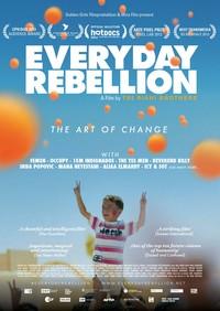 """La forza creativa della nonviolenza: intervista ai registi di """"Everyday Rebellion"""""""