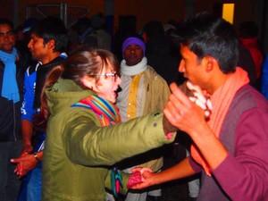 Fiaccole e festa per l'accoglienza al capodanno solidale 2015