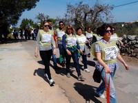 Cisternino: marcia contro la strada fra gli ulivi