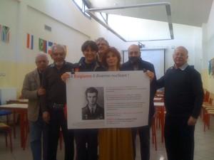 Al Liceo Manzoni di Milano per l'appello mondiale ESIGIAMO IL DISARMO NUCLEARE TOTALE