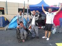 """Sciopero della fame degli """"indignati"""": abusi e violenze non fermano la loro lotta"""