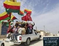 """Il """"corridoio umanitario"""" per Kobane, le aspirazioni dei curdi e la doppiezza della Turchia"""