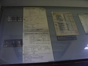 Documenti originali di identificazione di alcuni detenuti.