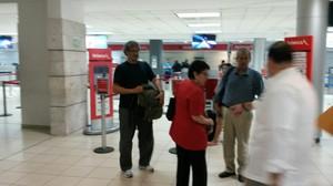 Partenza all'alba dall'aeroporto di Tegucigalpa (Foto SMS – Radio Progreso)