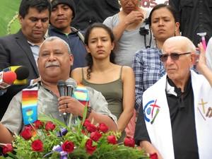 Melo, padre Fausto e le figlie di Berta al funerale (Foto G. Trucchi | Rel-UITA)