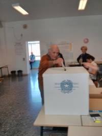 Luciano Marescotti vota al referendum del 17 aprile 2016