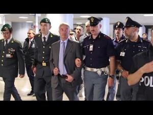 Fabio Riva al momento dell'arresto