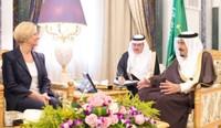 La Ministra Roberta Pinotti in Arabia Saudita per promuovere  contratti militari in spregio ai diritti umani