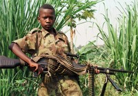 Ancora lontana la pace per i bambini soldato