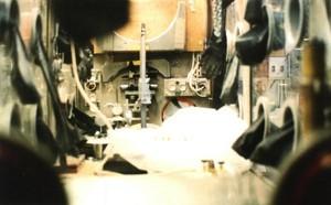 Dall'interno di un contenitore per manovrare materiali nucleari