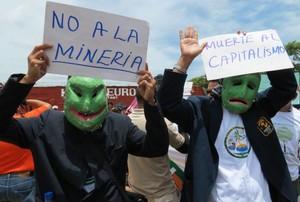 Manifestazione contro l'industria mineraria in Centroamerica (Foto G. Trucchi | Opera Mundi)