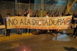 Manifestazione davanti all'ambasciata Usa a Tegucigalpa (Foto G. Trucchi | Rel-UITA)