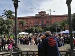 La manifestazione in pazza a Taranto per la chiusura dell'ILVA
