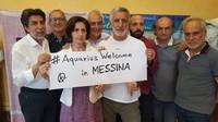 La nave Aquarius respinta da Salvini verso Messina accolta dall'amministrazione Accorinti