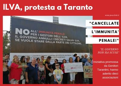 Protesta a Taranto contro l'immunità penale
