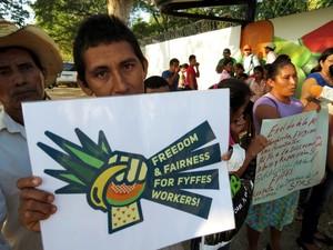 Protesta lavoratori Suragroh (Foto G. Trucchi | Rel-UITA)